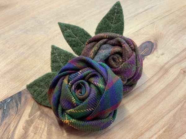Rose brooch traditional front Jonny Kinross